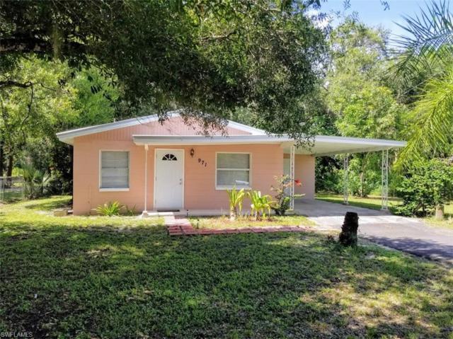 971 Suwanee Ave, Labelle, FL 33935 (MLS #219049704) :: Sand Dollar Group