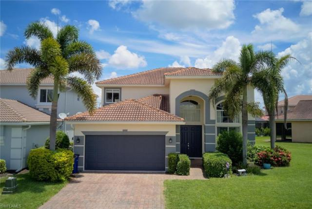 10409 Canal Brook Ln, Lehigh Acres, FL 33936 (#219052044) :: The Dellatorè Real Estate Group