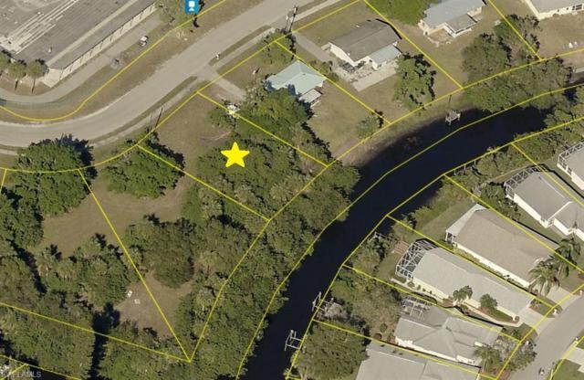 929 Iris Dr, North Fort Myers, FL 33903 (MLS #219052745) :: Clausen Properties, Inc.
