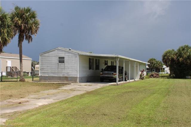 1083 W Miller Dr, Moore Haven, FL 33471 (MLS #219053423) :: Sand Dollar Group
