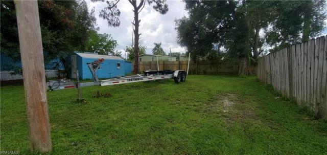 245 Santa Barbara St, North Fort Myers, FL 33903 (MLS #219054116) :: Sand Dollar Group
