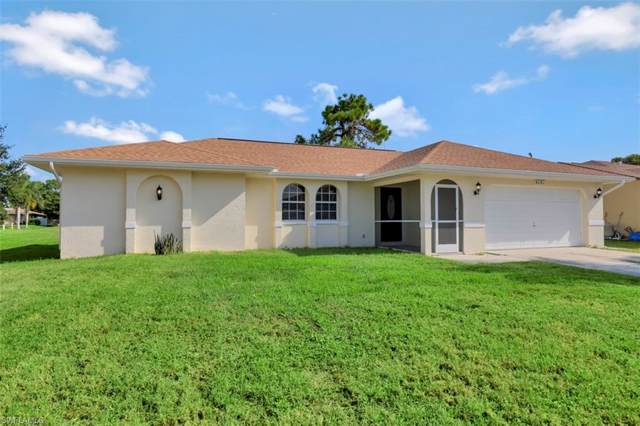 917 SW 23rd St, Cape Coral, FL 33991 (MLS #219062023) :: The Naples Beach And Homes Team/MVP Realty