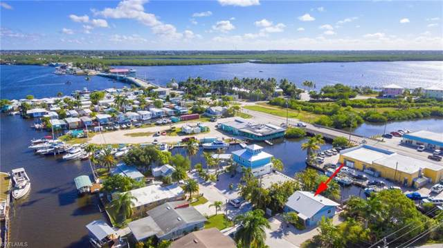 2509 Harbor View Drive, Matlacha, FL 33993 (#219065011) :: The Dellatorè Real Estate Group