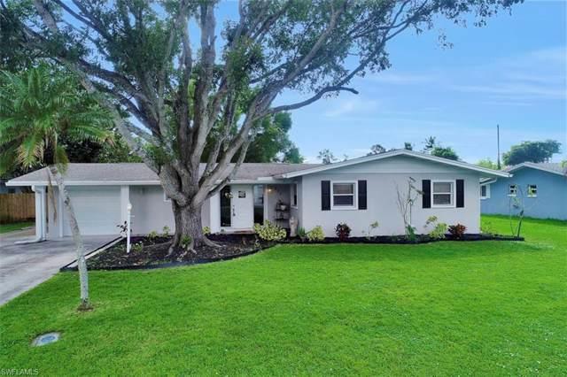 912 Dean Way, Fort Myers, FL 33919 (#219068545) :: The Dellatorè Real Estate Group