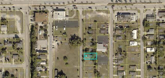 2015 Carver Ave, Fort Myers, FL 33916 (MLS #219069595) :: RE/MAX Realty Team