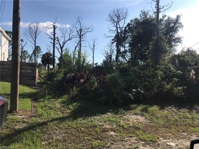 3211 42nd St SW, Lehigh Acres, FL 33976 (MLS #219070202) :: Clausen Properties, Inc.