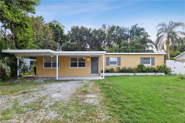 933 Poinsettia Dr, North Fort Myers, FL 33903 (MLS #219071093) :: The Naples Beach And Homes Team/MVP Realty