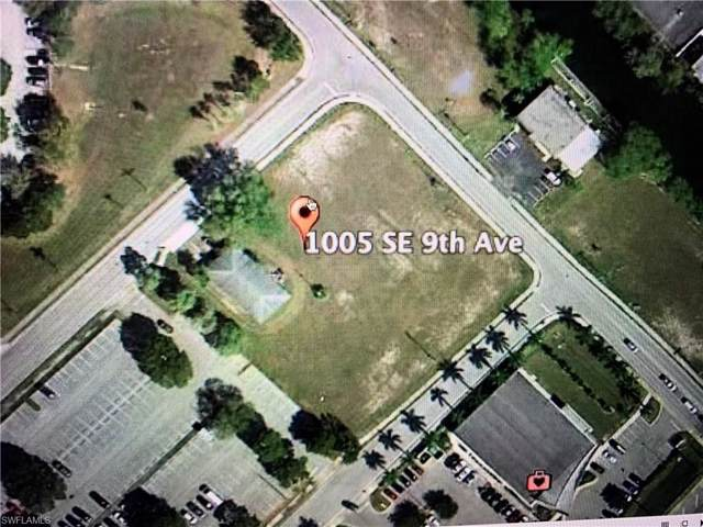 1005 SE 9th Ave, Cape Coral, FL 33990 (MLS #219073122) :: Clausen Properties, Inc.