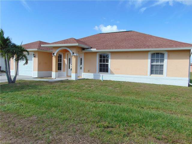 3908 18th St SW, Lehigh Acres, FL 33976 (#219073982) :: The Dellatorè Real Estate Group