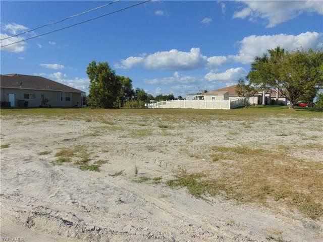 3601 Embers Pky W, Cape Coral, FL 33993 (#219075147) :: The Dellatorè Real Estate Group