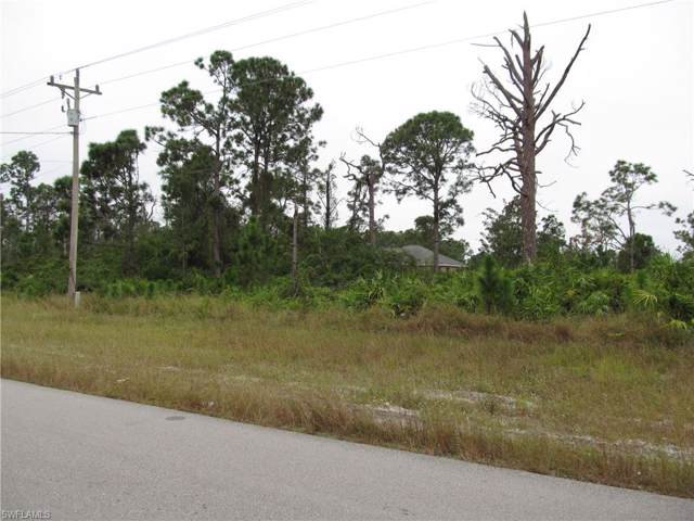 562 Mcarthur Blvd, Lehigh Acres, FL 33974 (#219076049) :: The Dellatorè Real Estate Group