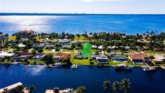 433 Bayshore Dr, Cape Coral, FL 33904 (MLS #219077410) :: Sand Dollar Group