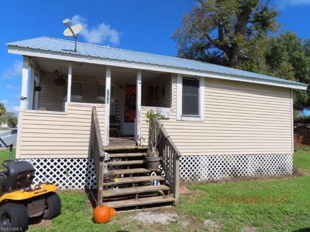 299 Avenue K SW, Moore Haven, FL 33471 (MLS #219078894) :: Clausen Properties, Inc.