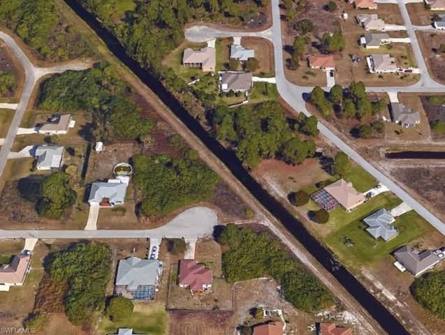 5136 Benton Ct, Lehigh Acres, FL 33971 (#219080889) :: The Dellatorè Real Estate Group