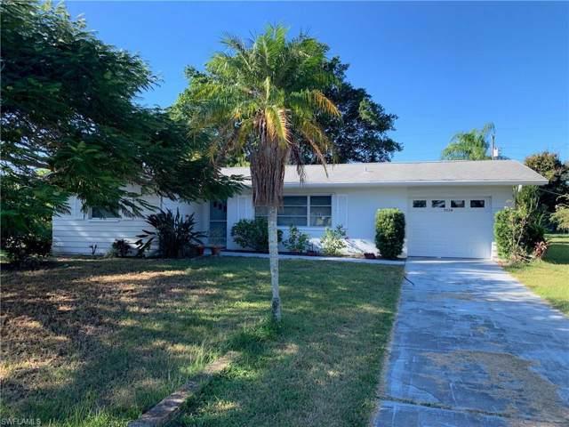 5220 Santa Rosa Ct, Cape Coral, FL 33904 (#219080945) :: The Dellatorè Real Estate Group