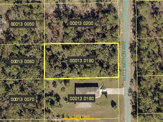 113 Wellington Ave, Lehigh Acres, FL 33936 (MLS #219080968) :: Kris Asquith's Diamond Coastal Group