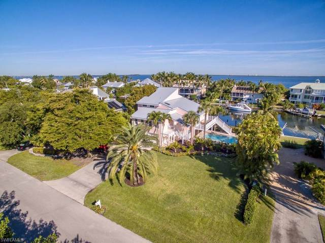 1230 Bay Dr, Sanibel, FL 33957 (MLS #219081221) :: RE/MAX Realty Team