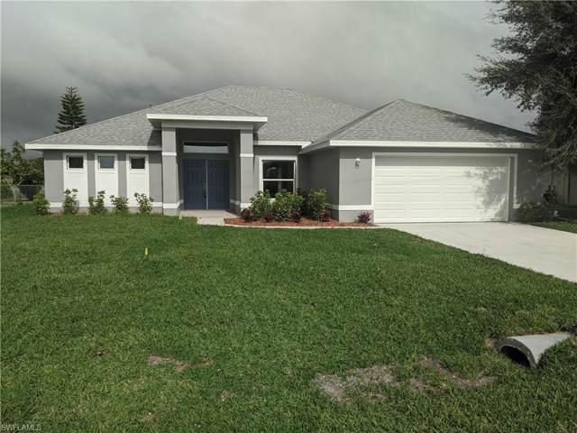 2149 Lochmoor Cir, North Fort Myers, FL 33903 (MLS #219084629) :: RE/MAX Realty Team
