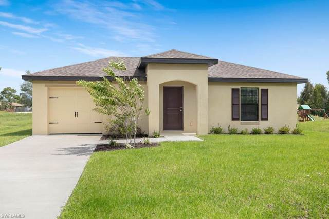 824 Umber Dr, Fort Myers, FL 33913 (MLS #220002657) :: Clausen Properties, Inc.