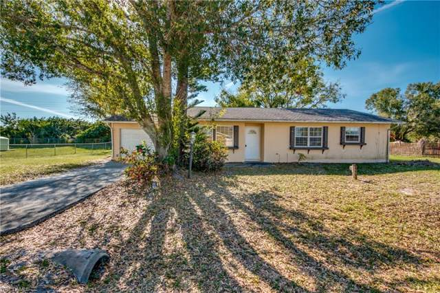 404 Arthur Ave, Lehigh Acres, FL 33936 (MLS #220002885) :: Clausen Properties, Inc.