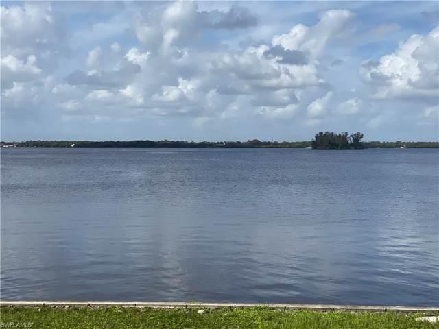 6 Live Oak Lane, Fort Myers, FL 33905 (#220004545) :: The Dellatorè Real Estate Group