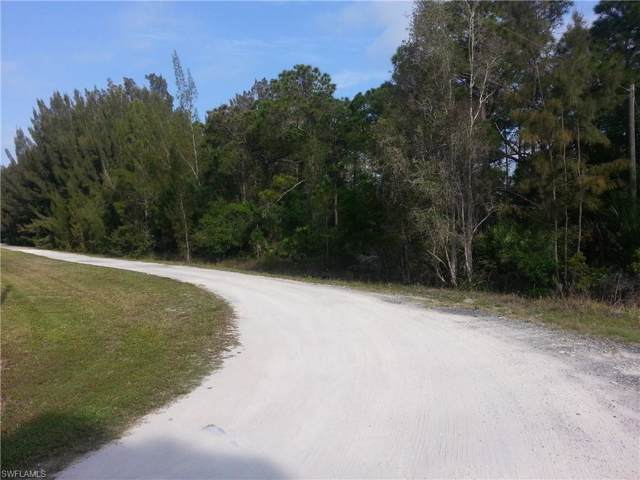 6780 Chipper Ln, North Fort Myers, FL 33917 (#220004583) :: The Dellatorè Real Estate Group