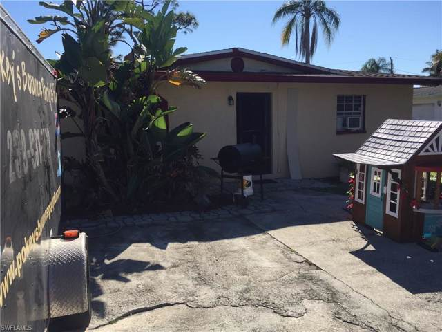 4696 Duera Mae Dr, Fort Myers, FL 33908 (#220006505) :: The Dellatorè Real Estate Group
