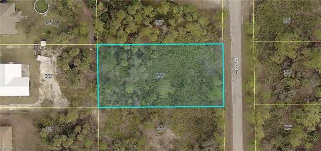 2317 Wells Ave, Alva, FL 33920 (MLS #220006876) :: Premier Home Experts