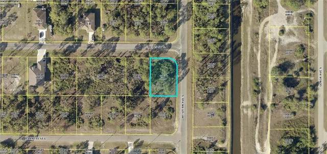 1078 Bells St E, Lehigh Acres, FL 33974 (#220007705) :: Southwest Florida R.E. Group Inc