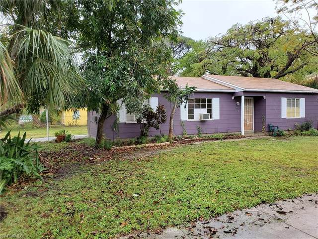 2272 Jeffcott Street, Fort Myers, FL 33901 (#220009497) :: The Dellatorè Real Estate Group