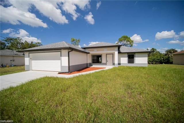 6411 Castlewood Cir, Fort Myers, FL 33905 (MLS #220011252) :: RE/MAX Realty Team