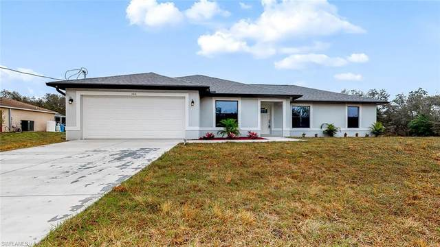 1810 Roosevelt Ave, Lehigh Acres, FL 33972 (MLS #220011990) :: RE/MAX Realty Team