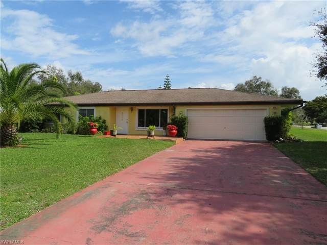 4028 S Edgewater Cir, Labelle, FL 33935 (MLS #220012474) :: Clausen Properties, Inc.
