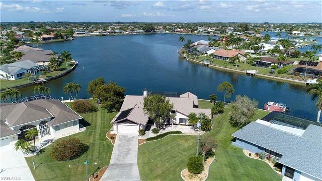 1015 SE 4th St, Cape Coral, FL 33990 (MLS #220013449) :: The Naples Beach And Homes Team/MVP Realty
