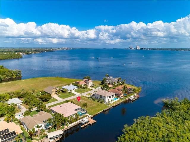 2364 Coral Point Drive, Cape Coral, FL 33990 (MLS #220014397) :: Florida Homestar Team