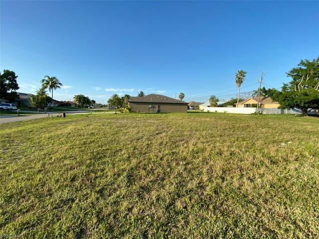 801 SW 9th Ave, Cape Coral, FL 33991 (MLS #220014499) :: Uptown Property Services