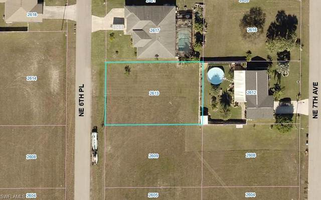 2613 NE 6th Pl, Cape Coral, FL 33909 (#220015434) :: The Dellatorè Real Estate Group