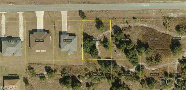 526 Grant Blvd, Lehigh Acres, FL 33974 (#220015963) :: The Dellatorè Real Estate Group