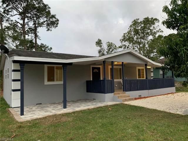 4303 Douglas Ln, Lehigh Acres, FL 33976 (#220016163) :: The Dellatorè Real Estate Group