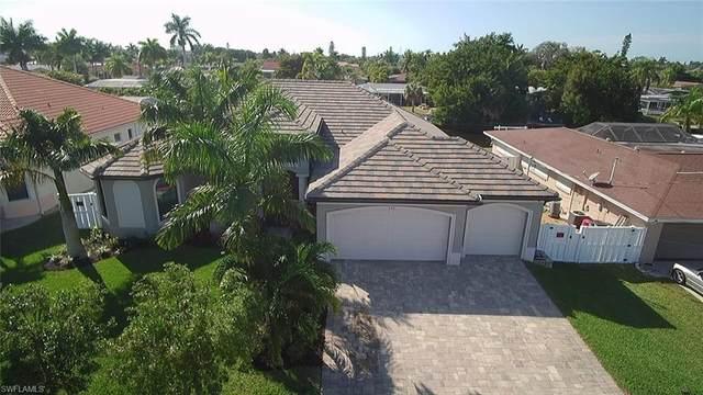 5314 Cortez Ct, Cape Coral, FL 33904 (#220016373) :: The Dellatorè Real Estate Group