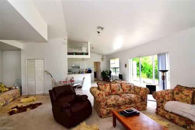 3419 38th St SW, Lehigh Acres, FL 33976 (#220016469) :: The Dellatorè Real Estate Group