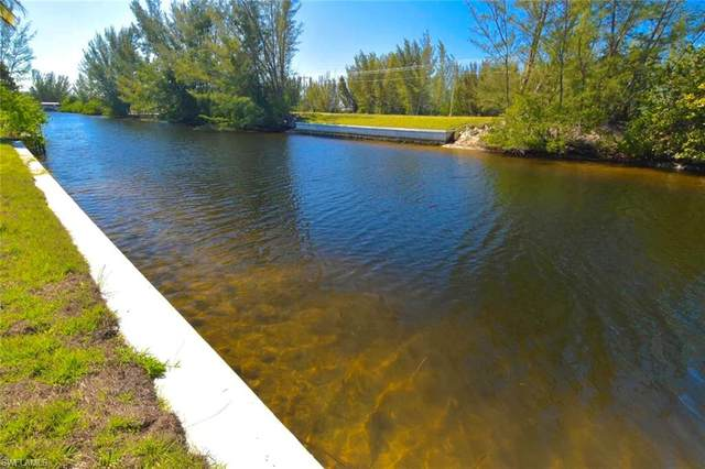 624 NW 39th Ave, Cape Coral, FL 33993 (MLS #220016614) :: Premier Home Experts