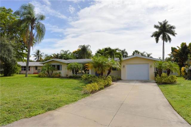 6231 Saint Andrews Circle N, Fort Myers, FL 33919 (MLS #220016984) :: Florida Homestar Team