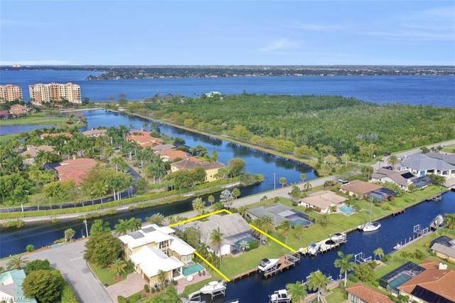 6584 Griffin Boulevard, Fort Myers, FL 33908 (#220017056) :: The Dellatorè Real Estate Group
