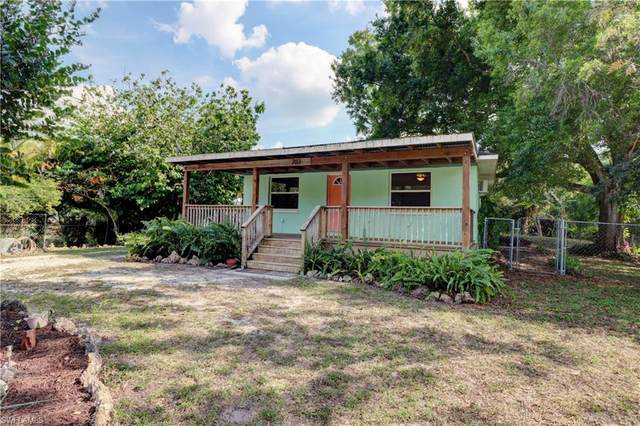 703 Queens Dr, North Fort Myers, FL 33903 (MLS #220018886) :: RE/MAX Realty Team