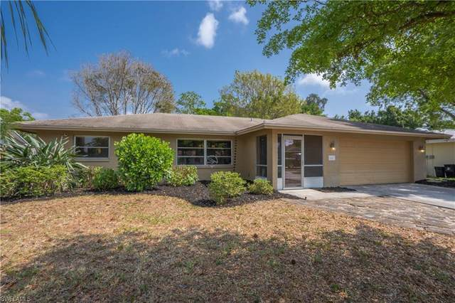 2443 Woodland Boulevard, Fort Myers, FL 33907 (#220019312) :: The Dellatorè Real Estate Group