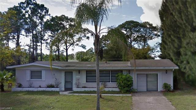 213 Columbus Ave, Lehigh Acres, FL 33936 (MLS #220020681) :: #1 Real Estate Services