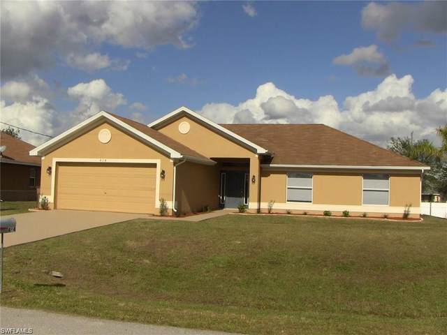 414 Willowbrook Dr, Lehigh Acres, FL 33972 (MLS #220021017) :: #1 Real Estate Services