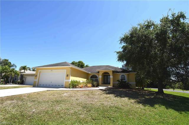 8970 Woodgate Manor Ct, Fort Myers, FL 33908 (MLS #220021038) :: RE/MAX Realty Team