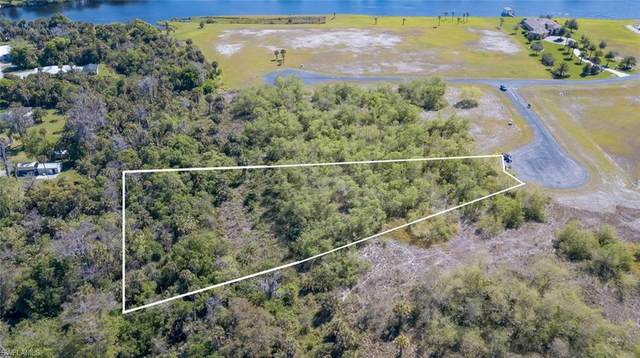 2554 Creekside Court, Labelle, FL 33935 (MLS #220021054) :: Clausen Properties, Inc.